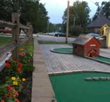 The mini golf course at Twinkle. town