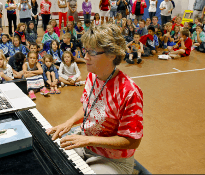 Patty Voeger playing piano